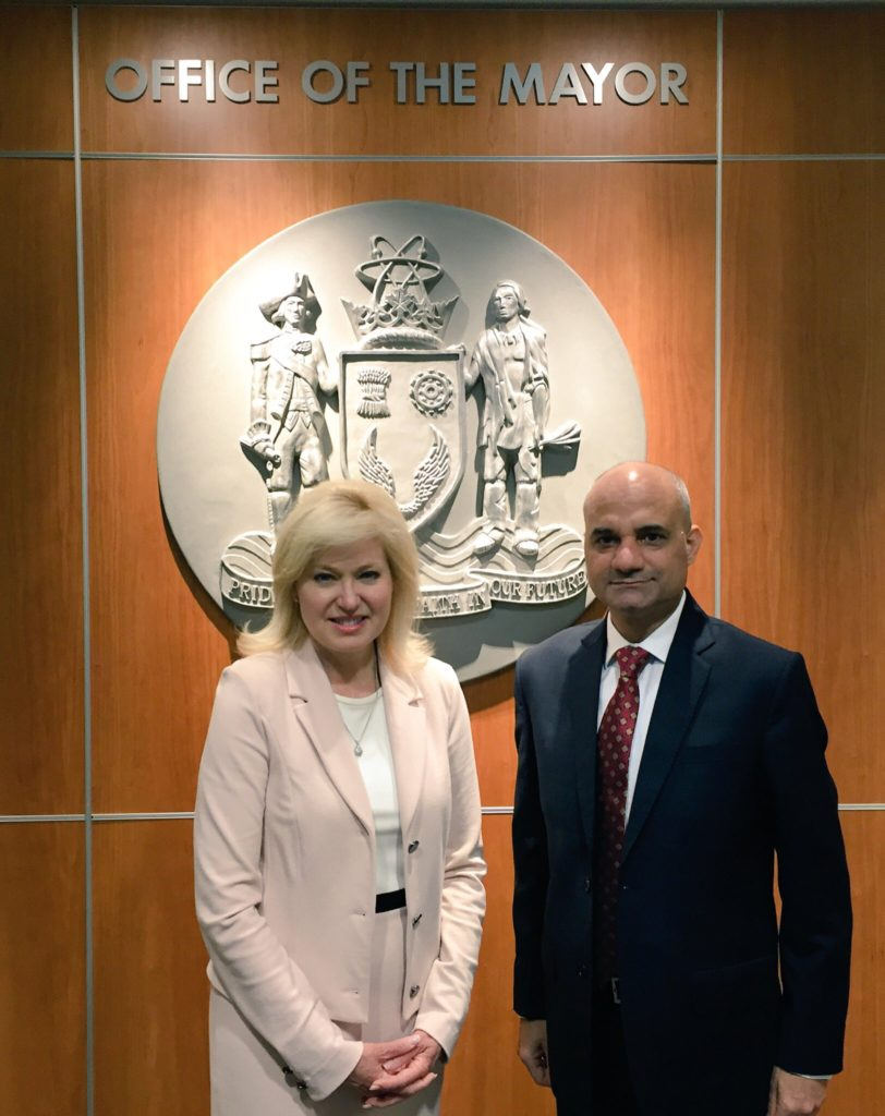 Mayor Crombie welcomes Consul General Dinesh Bhatia to City Hall.
